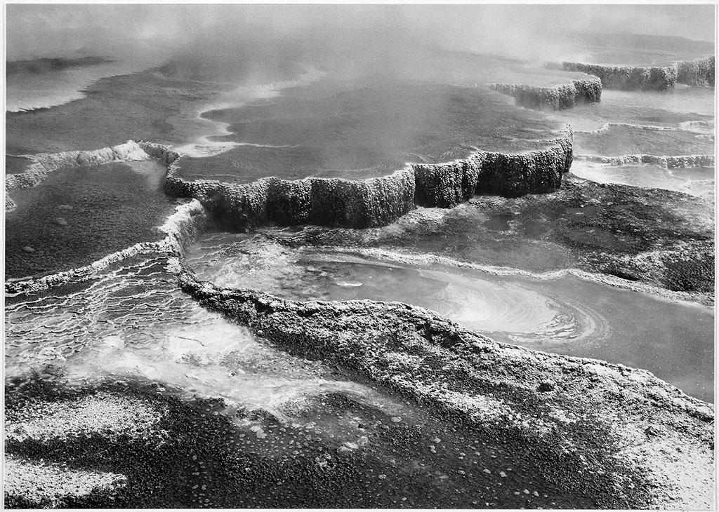 Jupiter Terrace – Fountain Geyser Pool, Yellowstone National Park